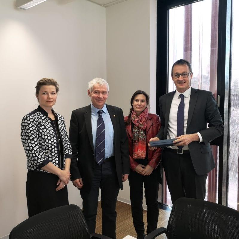 Gruppenfoto vom Besuch des ungarischen Generalstaatsanwalts bei der Generalprokuratur Gruppenfoto