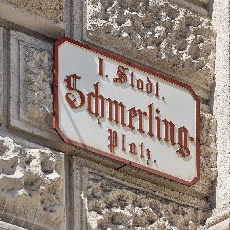 Straßenschild Schmerlingplatz